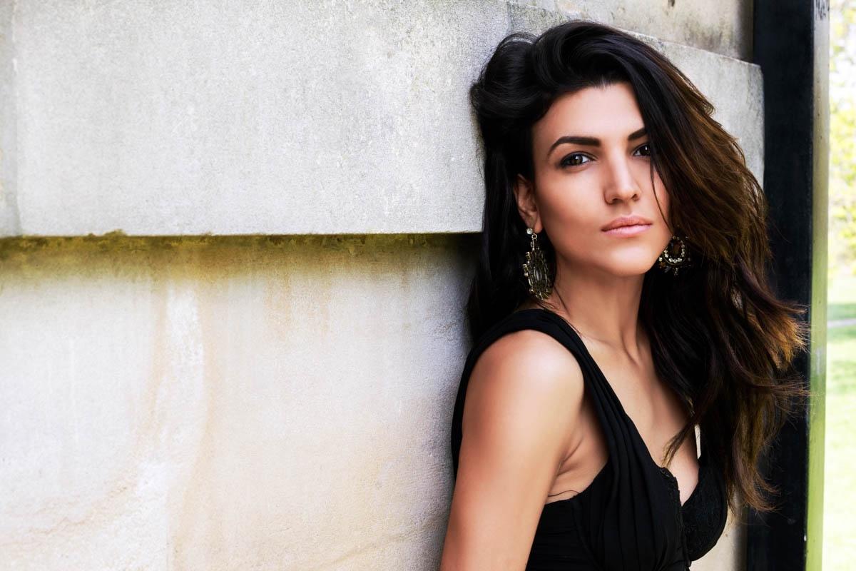 Sedinta foto portret Savina